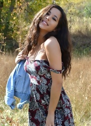 Bella Poses In The Field - Picture 6